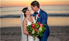 Margaritaville Beach Resort Playa Flamingo - Groom and Bride on Flamingo Beach