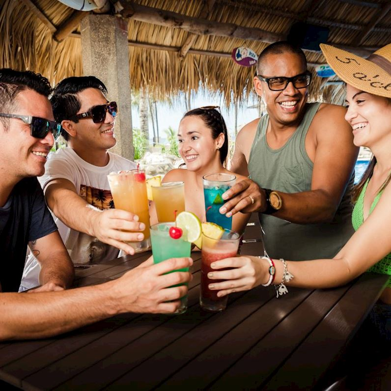 Paquete Celebre Su Jubilación - Margaritaville Beach Resort Playa Flamingo, Costa Rica
