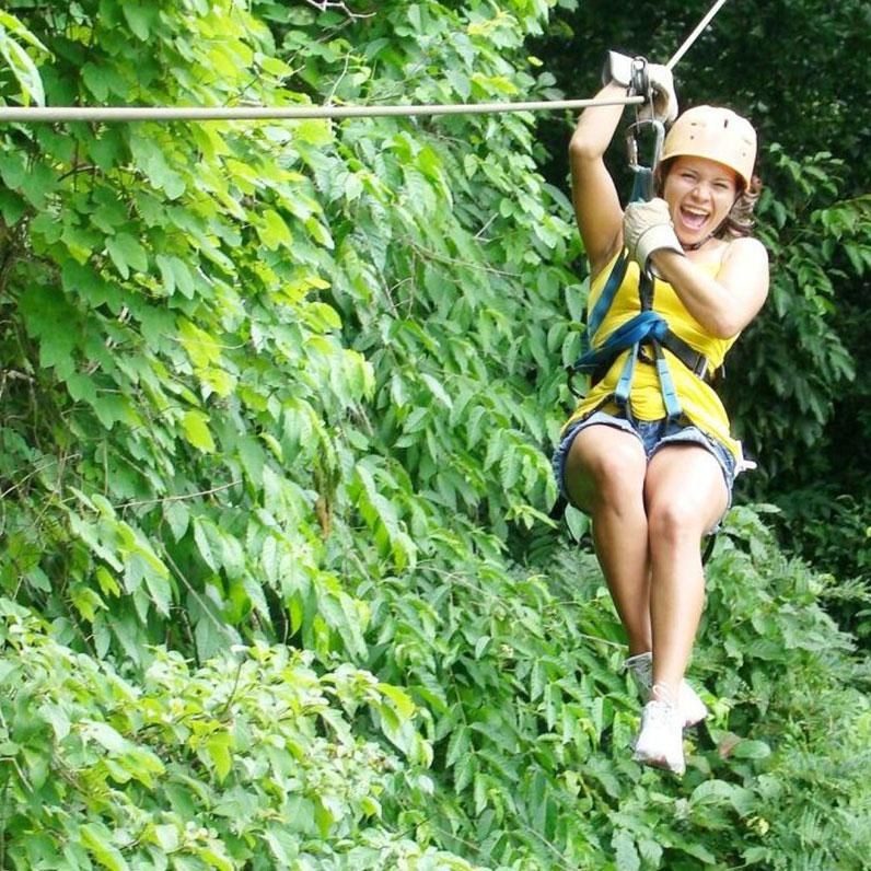 Tour tirolesa en Costa Rica