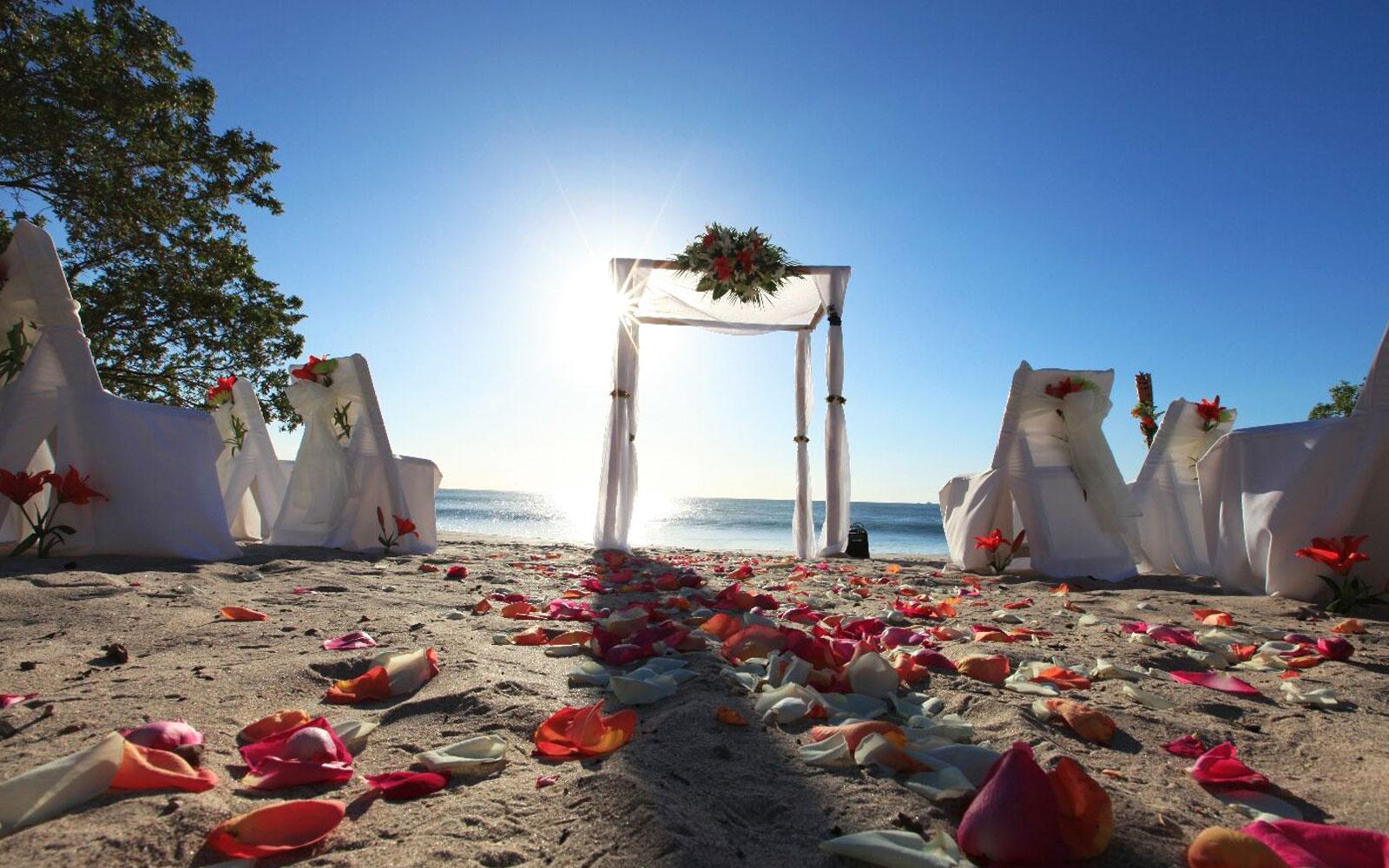 Beach Weddings & Receptions in Margaritaville Beach Resort Playa Flamingo, Cost Rica