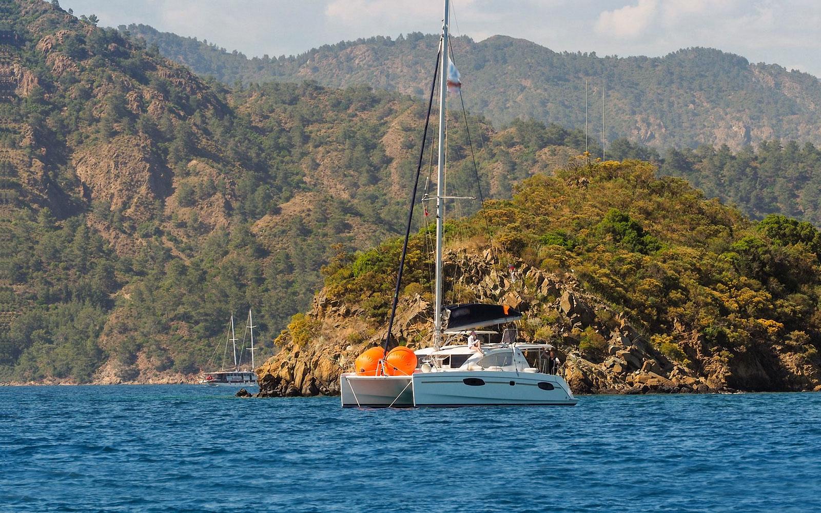 Have Catamaran tour in Costa Rica