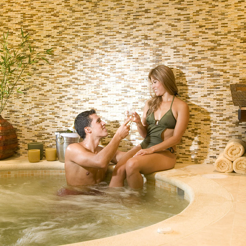 Enjoy an Ultimate Pure Romance Package at Flamingo Beach Resort, Cost Rica